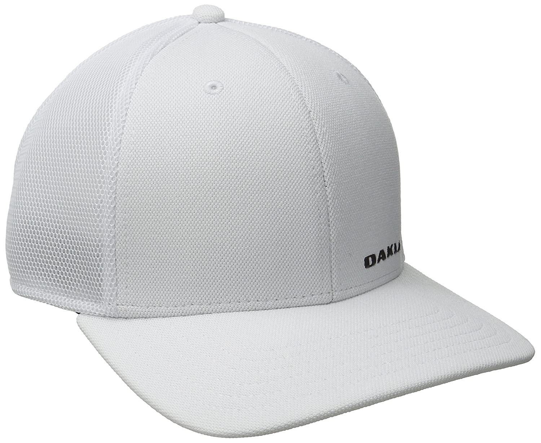 d2c2a8f0533 Amazon.com  Oakley Mens Silicon Bark Trucker 4.0 Hat  Clothing