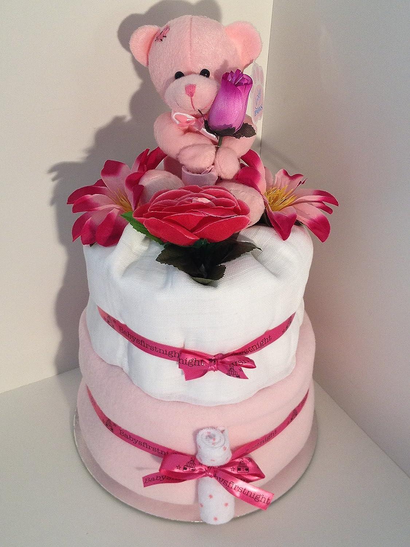 2étages de gâteau de couches pour bébé fille avec ours C'est une fille sur un superbe Lit de fleurs Babysfirstnight