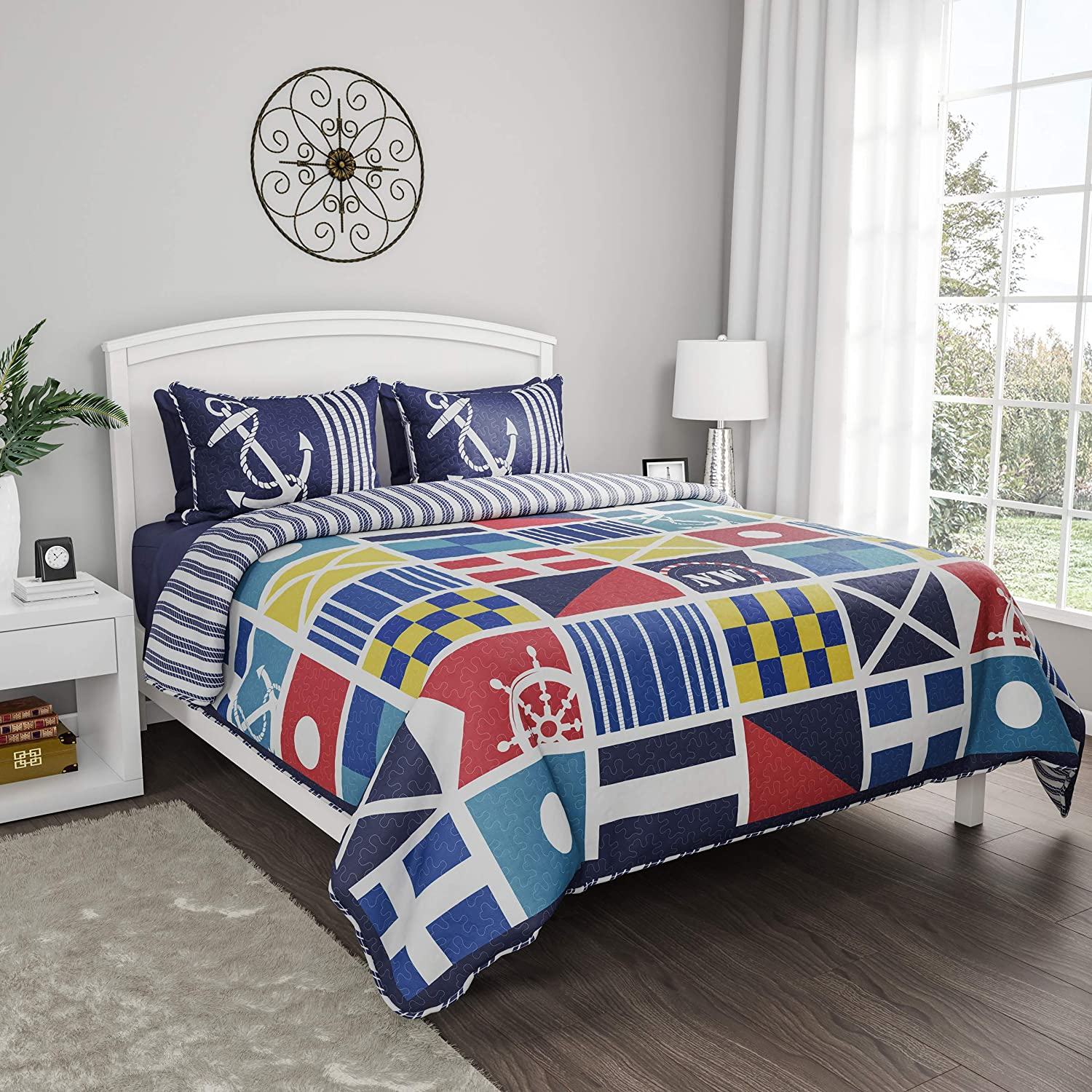 Lavish Home Collection Quilt Bedspread Set with Exclusive Mariner Design- 3 Piece Full/Queen Set With 2 Shams, Nautical Coastal Theme, Reversible, Hypoallergenic