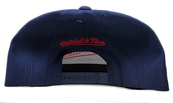 e2442c19712 Amazon.com  Mitchell   Ness Montreal Canadiens Solid Wool Adjustable  Snapback Hat NHL  Clothing
