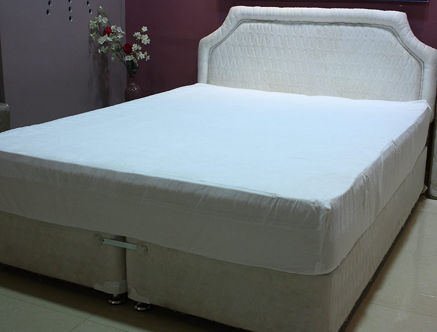 "Trance Home Linen Trance Waterproof Mattress Protector Queen Size 78"" X 60""  -White: Amazon.in: Home & Kitchen"