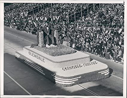 Amazon com: 1941 Glendale CA Lincoln Memorial Float Roses
