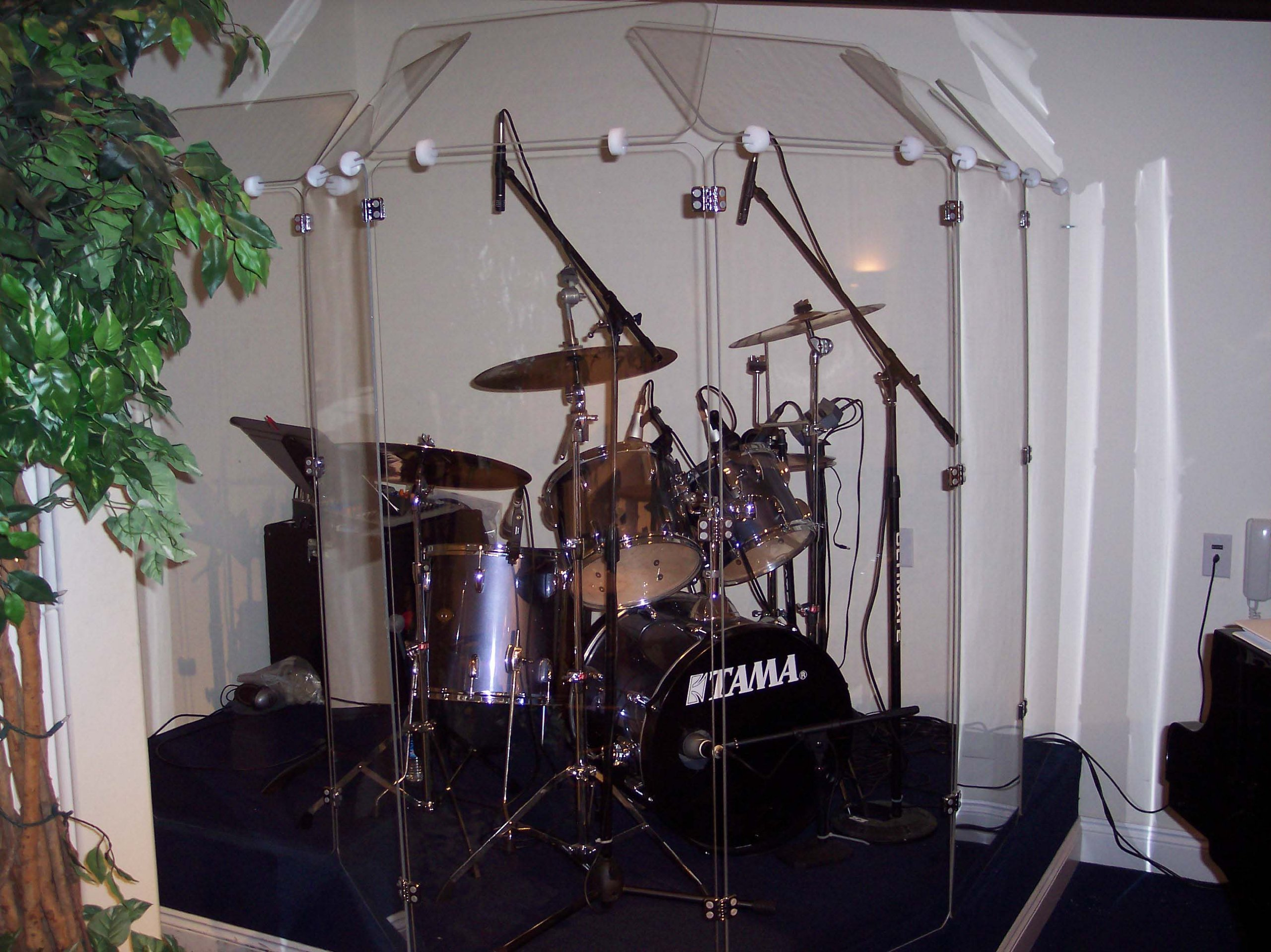 Drum Shield DS6D Comes with 6 Panels 2 Foot X 5 Foot with Deflectors Total Height 6'  Chrome Hinges by Pennzoni Display