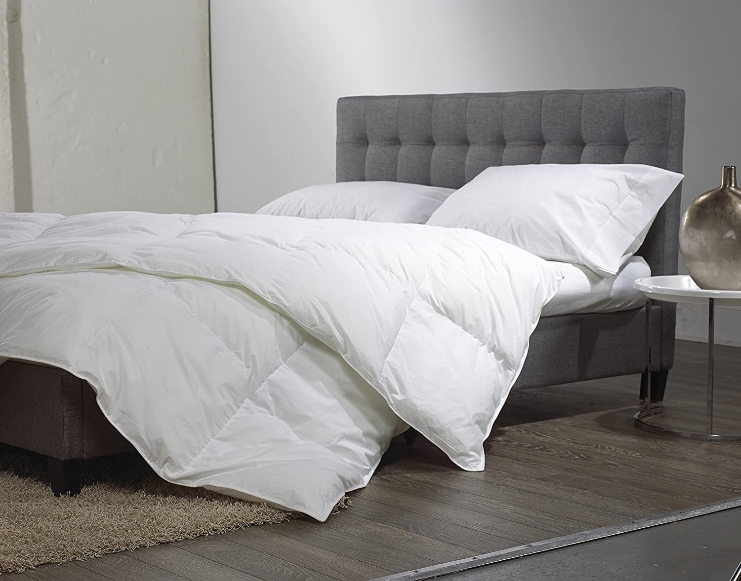 Queen Westex International 195406 Sleep Solutions Canadian White Down and Feather Comforter