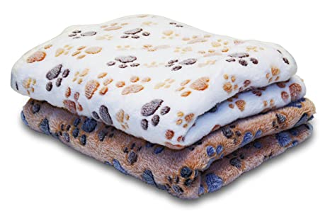 3e41647ca69fa 2 Extra Large Pet Blankets. Bed/Car Cover. Suitable for Small and Large  Breeds. Lightweight, Soft, Warm, Comfortable. Premium Fleece Fabric.  Washable.