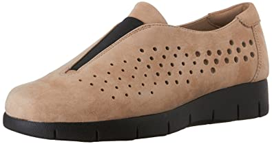 CLARKS Women's Daelyn Summit Slip-On Loafer, Sand, ...