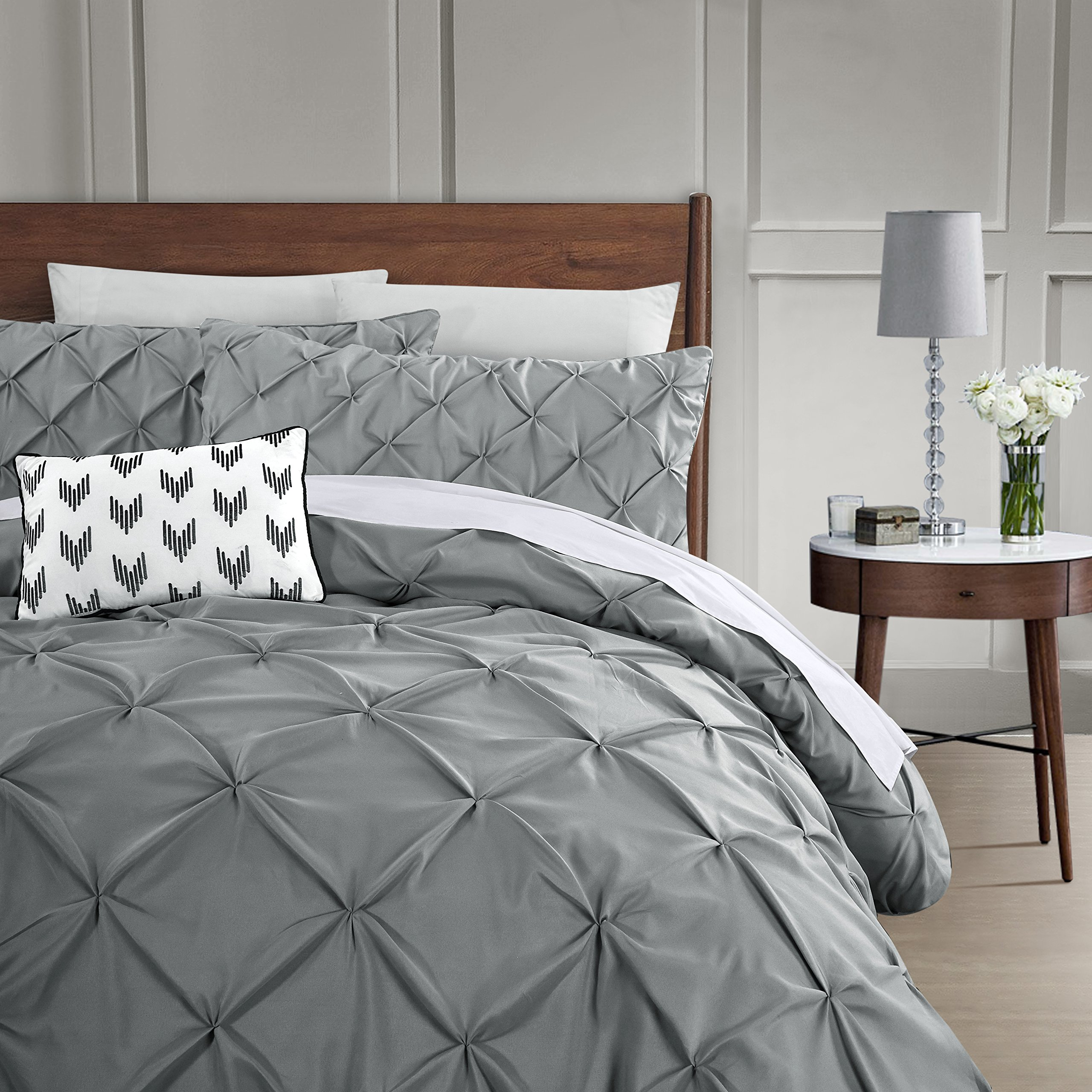 HOME HUG TEXTILES 3 Piece Luxurious Pinch Pleat Decorative Pintuck Duvet Cover Set - Hypoallergenic - 1800TC Polyester Bedding Set with Zipper Closure - Queen/Grey
