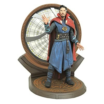 Diamond Select Toys Marvel Select: Doctor Strange Movie Action Figure: Toys & Games