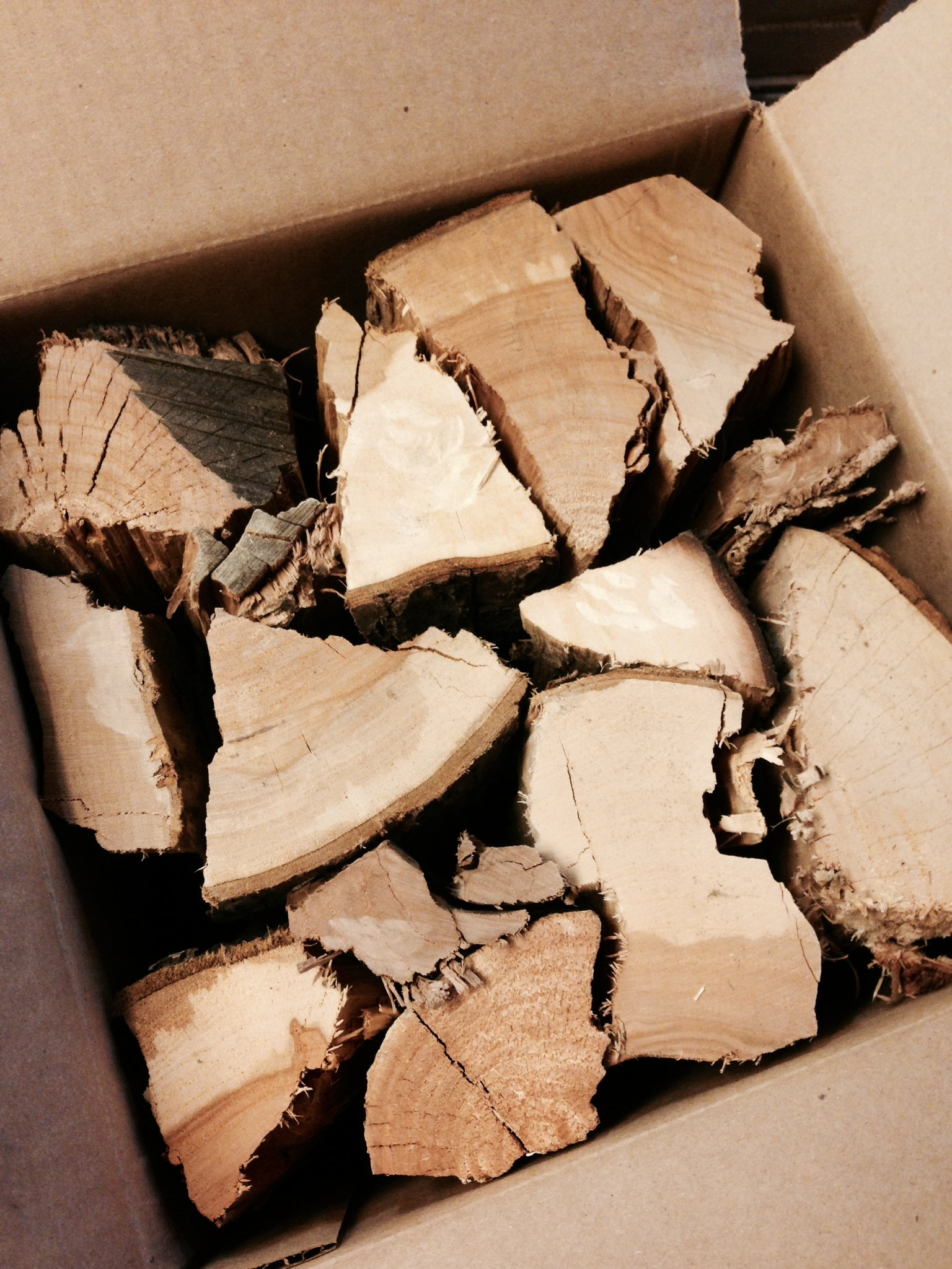 J.C.'s Smoking Wood Sticks - 730 Cu Inch Box - Hickory by J.C.'s Smoking Wood Products
