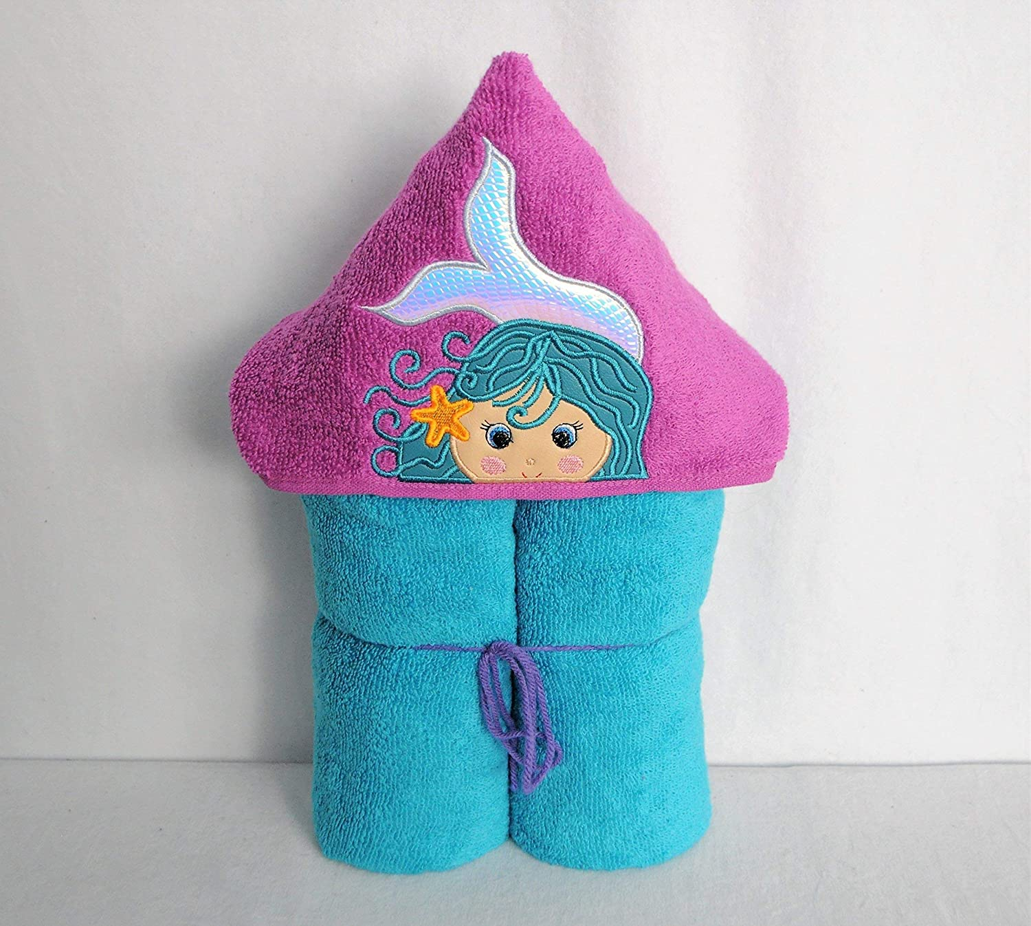 Girl/'s Hooded Towel Baby Shower Gift Embroidered Towel Children/'s Bath Accessory Birthday Presents for Girls Pop Culture Swim