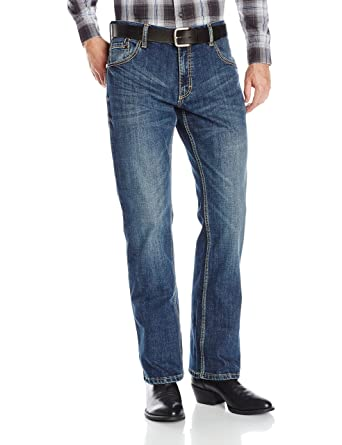 93d4e0729265 Wrangler Men s Retro Slim Fit Boot Cut Jeans at Amazon Men s ...