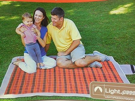 Lightspeed Outdoors Folding Blanket