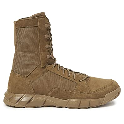 55d07b542caed9 Oakley Men s Light Assault 2 Boots