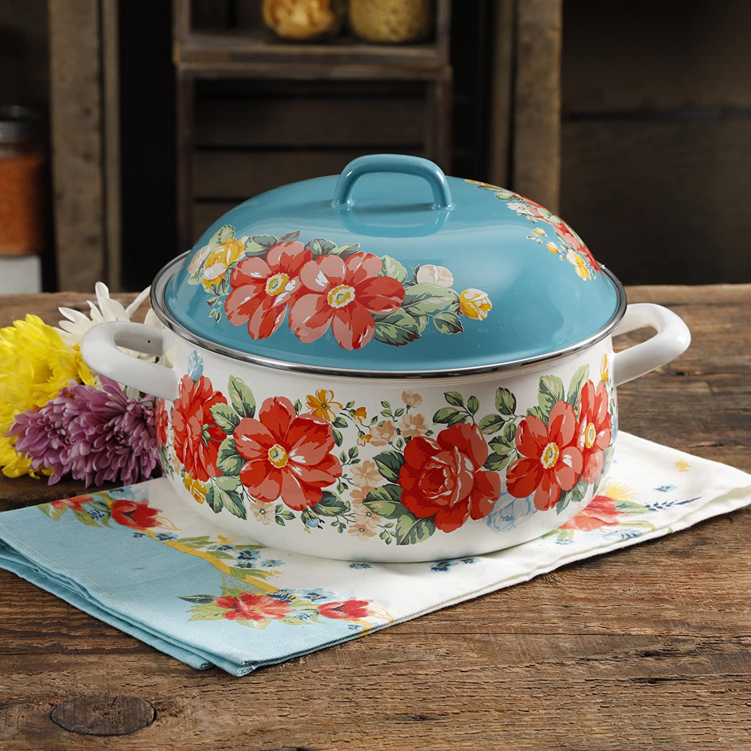 The Pioneer Woman Vintage Floral 4-Quart Dutch Oven