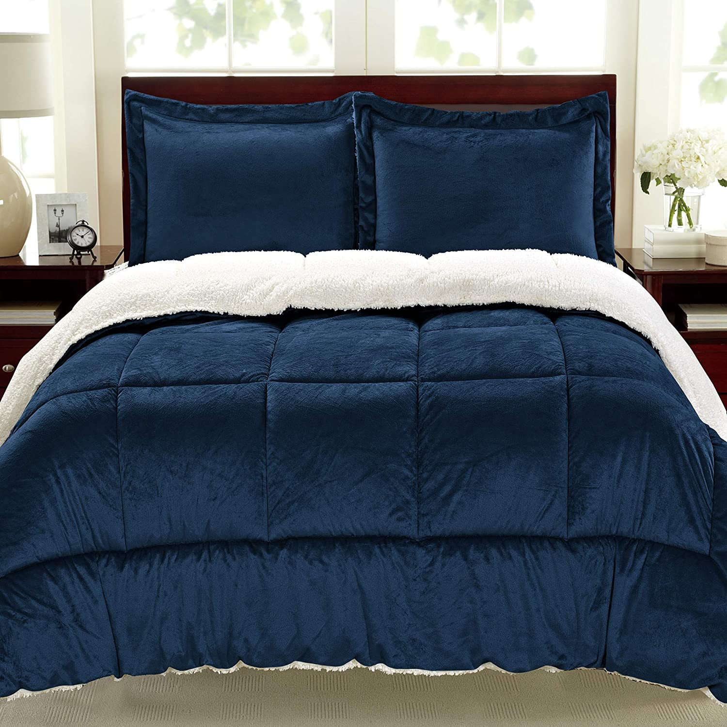 Premium Fashion Bedding Ultra Soft and Plush Reversible Micromink and Sherpa 3 Piece Comforter and Sham Set, Navy, King (102