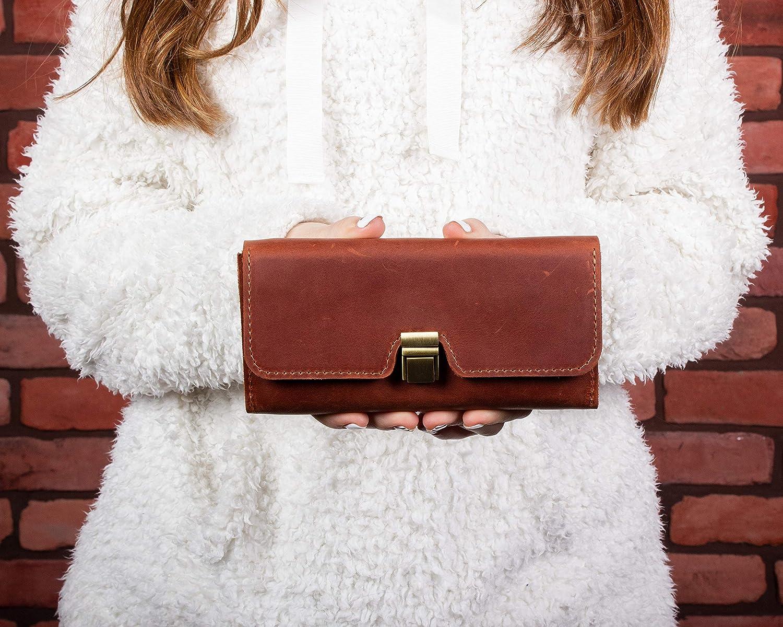 """Hasil gambar untuk 1. Leather goods gift ideas"""""""