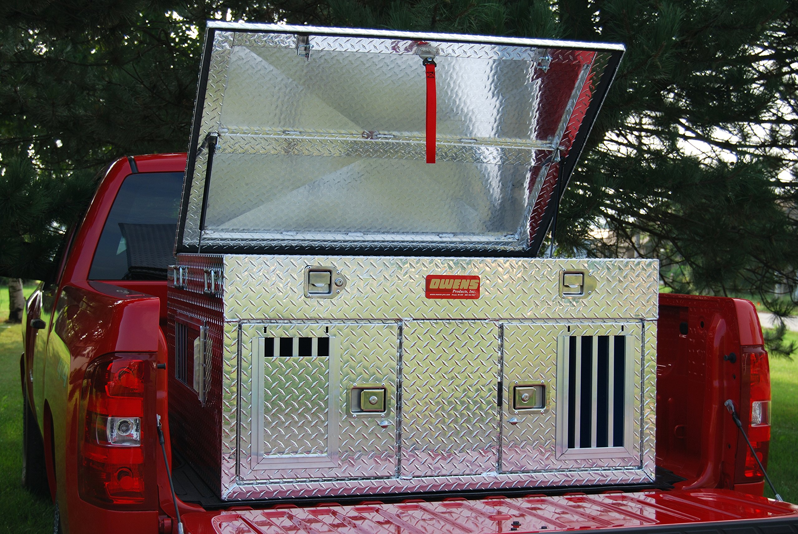 Owens Products, Model 55006, Dog Box for Hunting and Travel ~ Hunter Series Double Compartment Diamond Plate Aluminum Dog Crate, with Top Storage