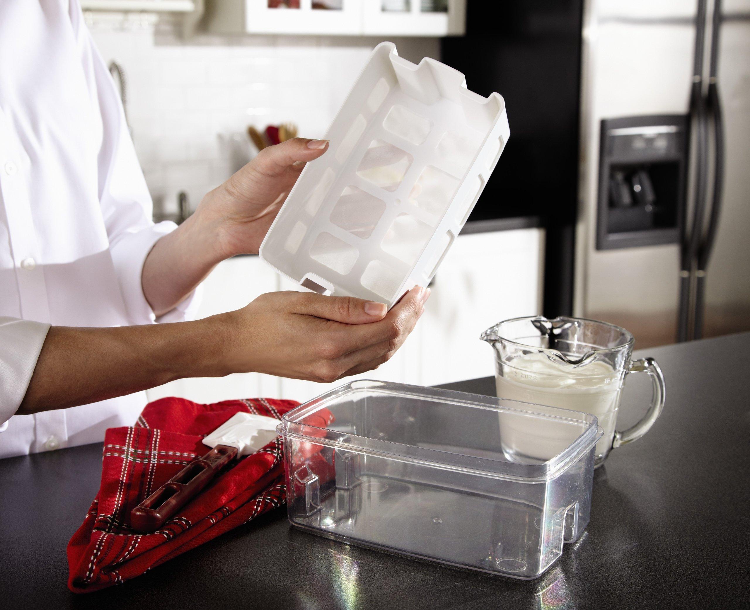 Oster CKSTYM1010 Mykonos Greek Manual Yogurt Maker 2 Quart