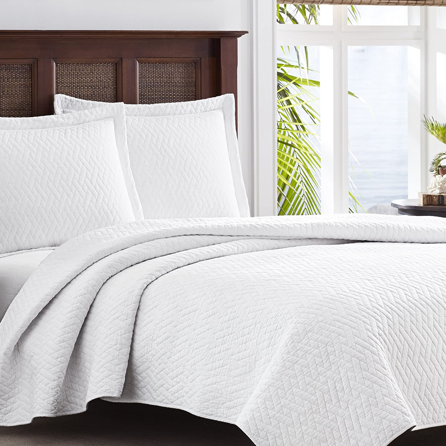 amazoncom tommy bahama white chevron quilt set king white home kitchen. amazoncom tommy bahama white chevron quilt set king white