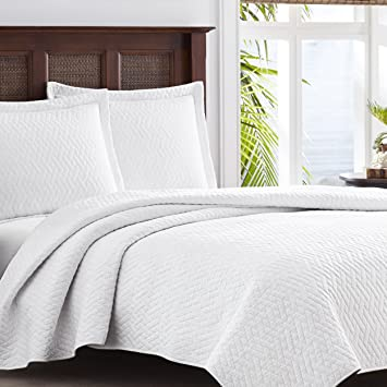 Marvelous Tommy Bahama White Chevron Quilt Set, King, White
