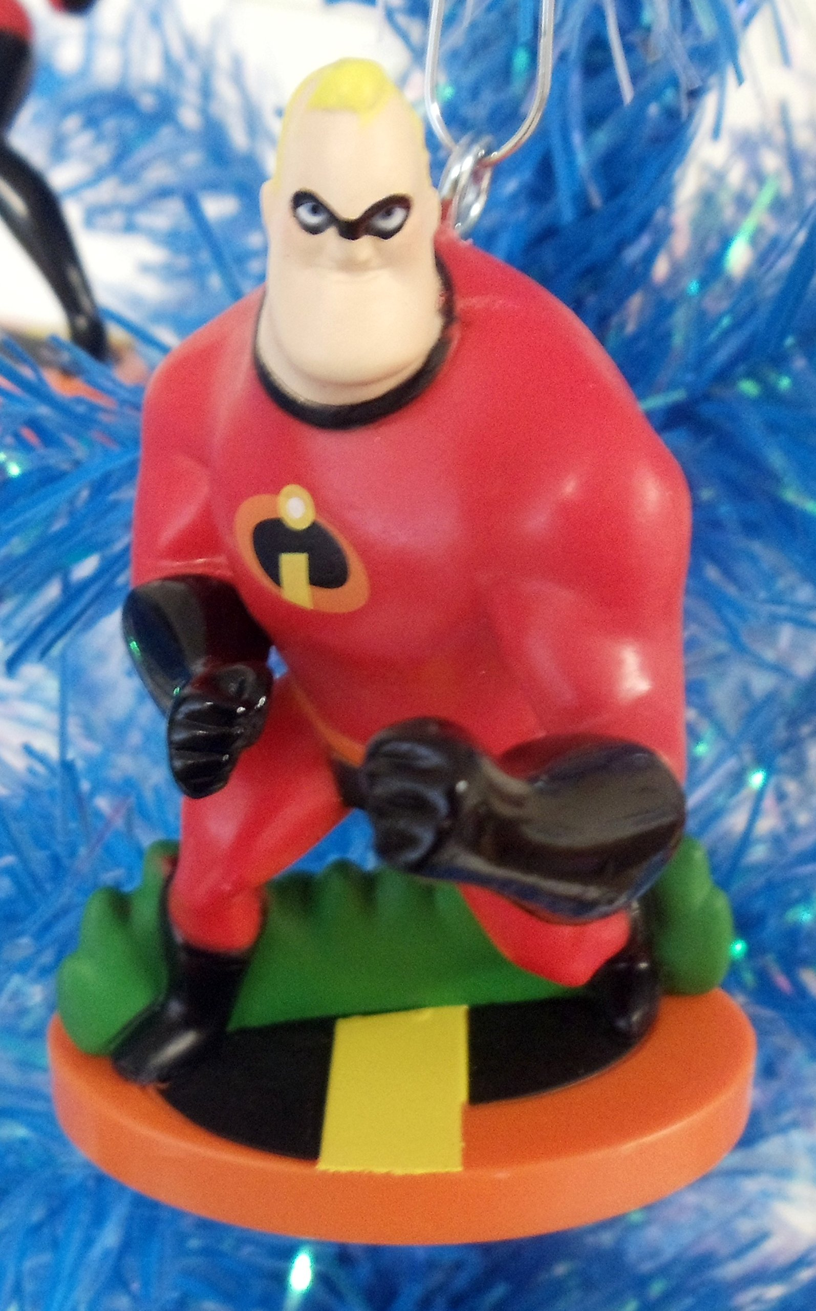 On Motorcycle from Incredibles 2 Figurine Holiday Christmas Tree Ornament New for 2018 Elastigirl Limited Availability