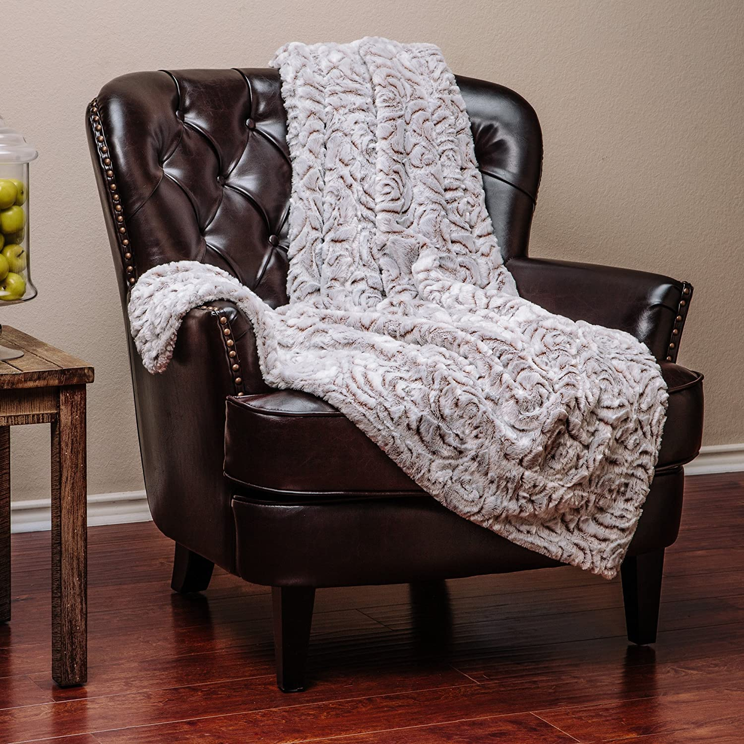 Embossed Pattern Plush Sherpa Fur Microfiber Throw Blanket