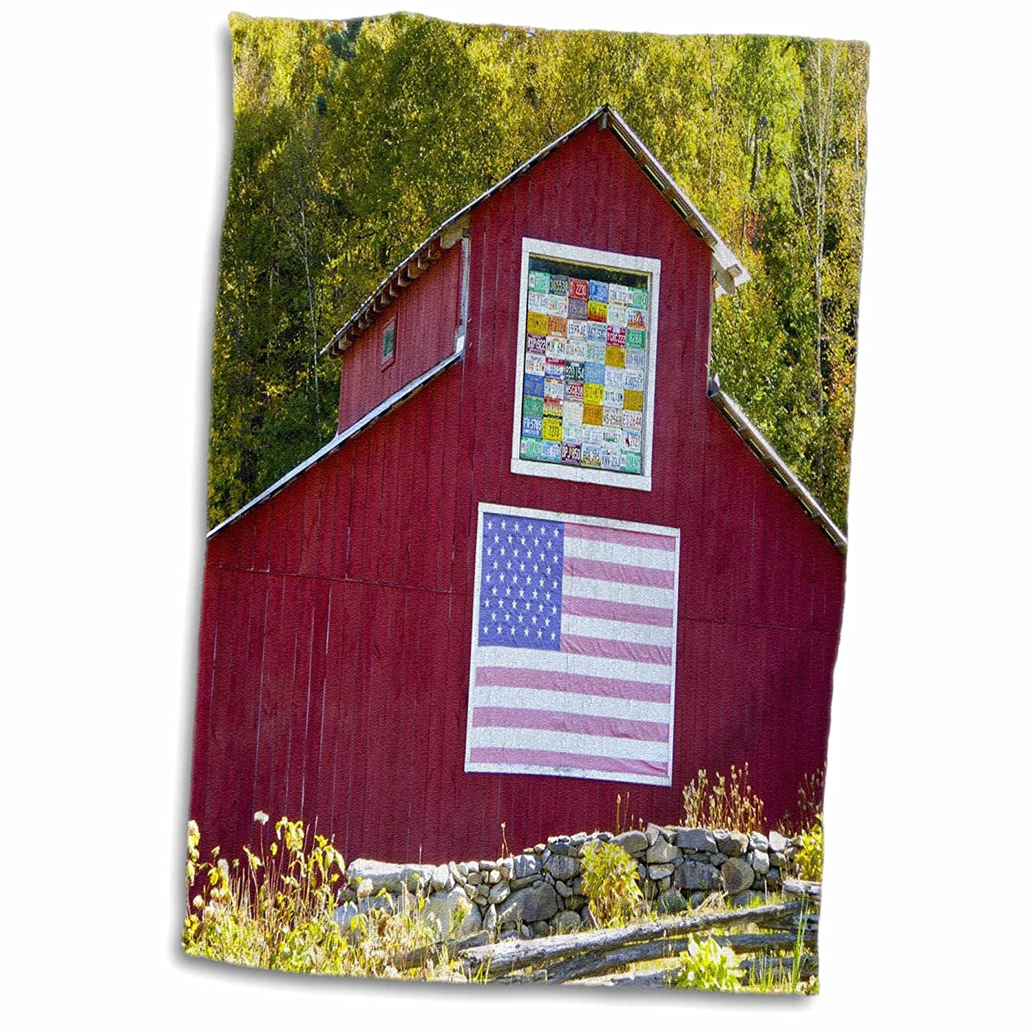 3D Rose Print of Red Barn with USA Flag and License Plates TWL/_212580/_1 Towel 15 x 22 Multicolor