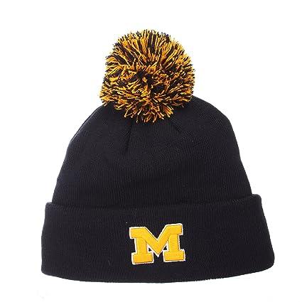 9a2bea2069a41 Amazon.com   ZHATS Michigan Wolverines Navy Blue Cuff Beanie Hat ...