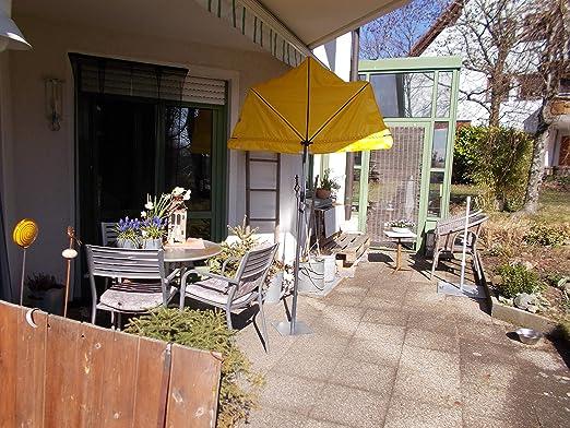 Holly 2019 - Balcón pequeño con Parasol, Color Amarillo, Alta protección UV, con Palo de sombrilla y Soporte de Metal, producción de baño: Amazon.es: Jardín
