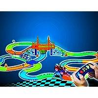 MAGIC TRACKS RC - Circuit lumineux de 4,80 mètres modulable et brillant dans le noir fourni contenant 342 accessoires - Vu à la Télé