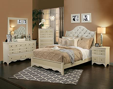 Amazon.com: Sandberg Furniture 354D Marilyn Bedroom Set, Queen ...