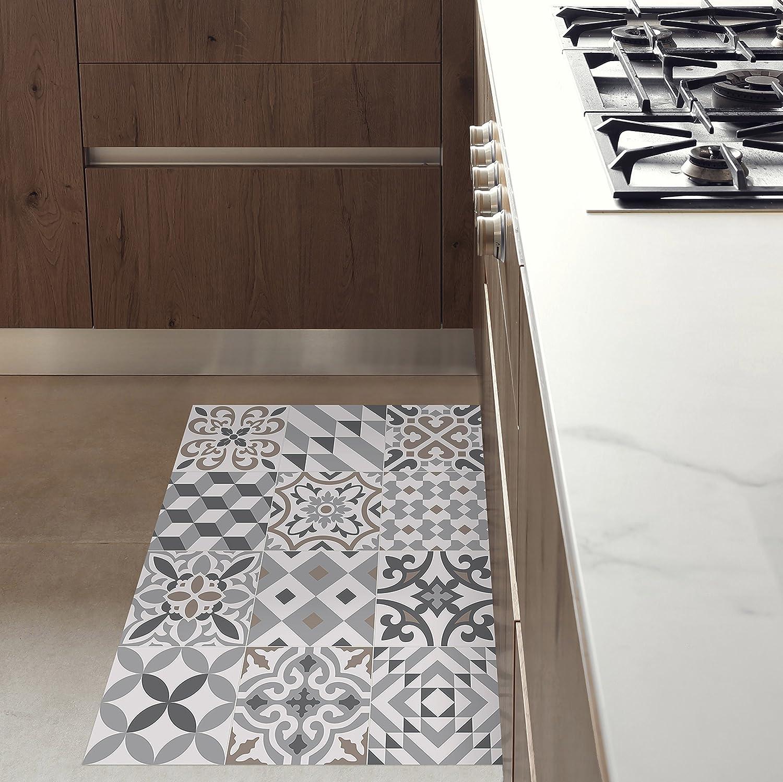 ALFOMBRA PARA MASCOTAS, impermeable, resistente y aislante. Muy agradable. Diseño efecto suelo de baldosas antiguas. Se limpia fácilmente con una fregona. Made in Barcelona. Eclectic Grey 60x80cm.