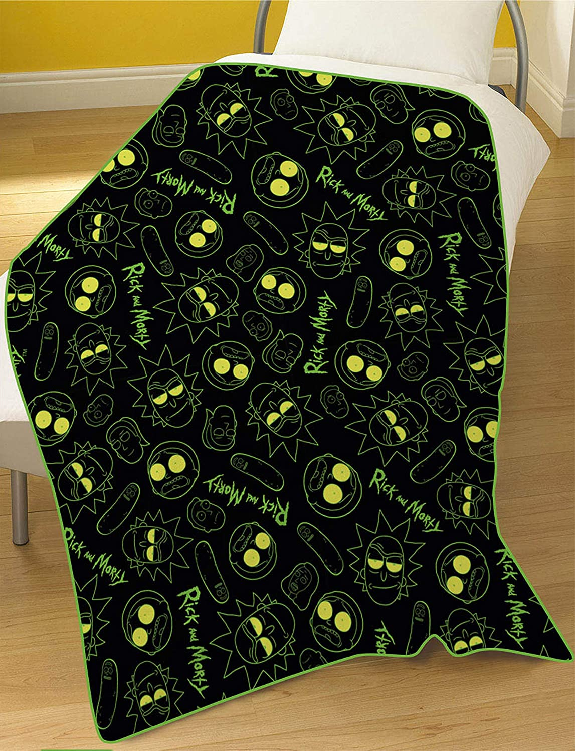 Rick & Morty Blanket, Polyester, Multi-Colour, 100x150cm Dreamtex Ltd FB2-RAM-ELE-M-24