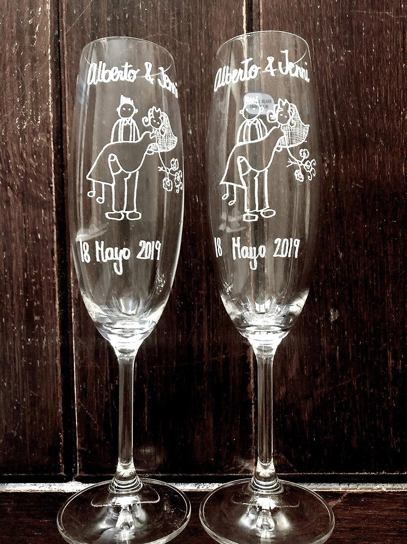 REGALO DE BODA PERFECTO ¡¡Juego de Copas (2) para novios, grabado a mano con punta de diamante ***** Personalizables. Enviame los nombres y fecha de boda por mail. Fíjate en el velo de la novia.