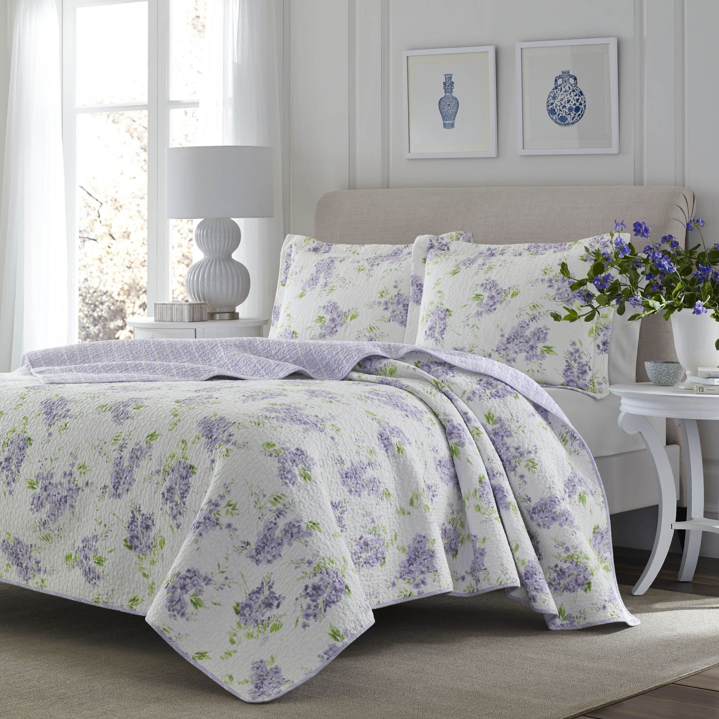 3 Piece Fresh Floral Patterned Reversible Quilt Set King Size, Printed Scenic Lilac Garden Blossom Flowers Themed Bedding, Nature Lover Design, Artistic Wild Flowery Girls Bedroom, Lavender, Purple by SE