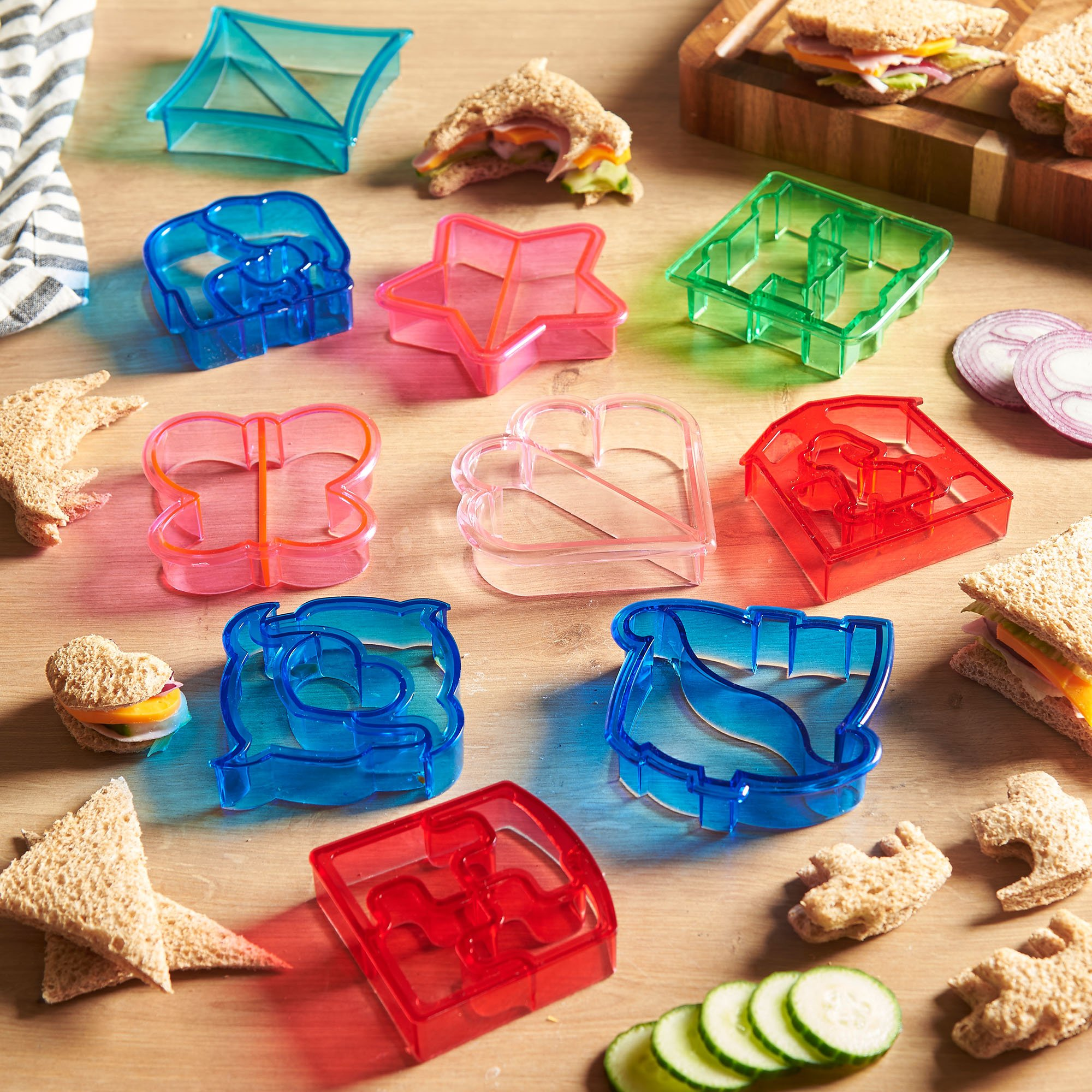 VonShef 15 Piece Sandwich and Vegetable Cutter Set – Novelty Plastic Cookie Cutters & Stainless Steel Shapes, BPA Free, 10 x Crust Cutters, 5 x Veggie/Fruit Cutters by VonShef (Image #1)