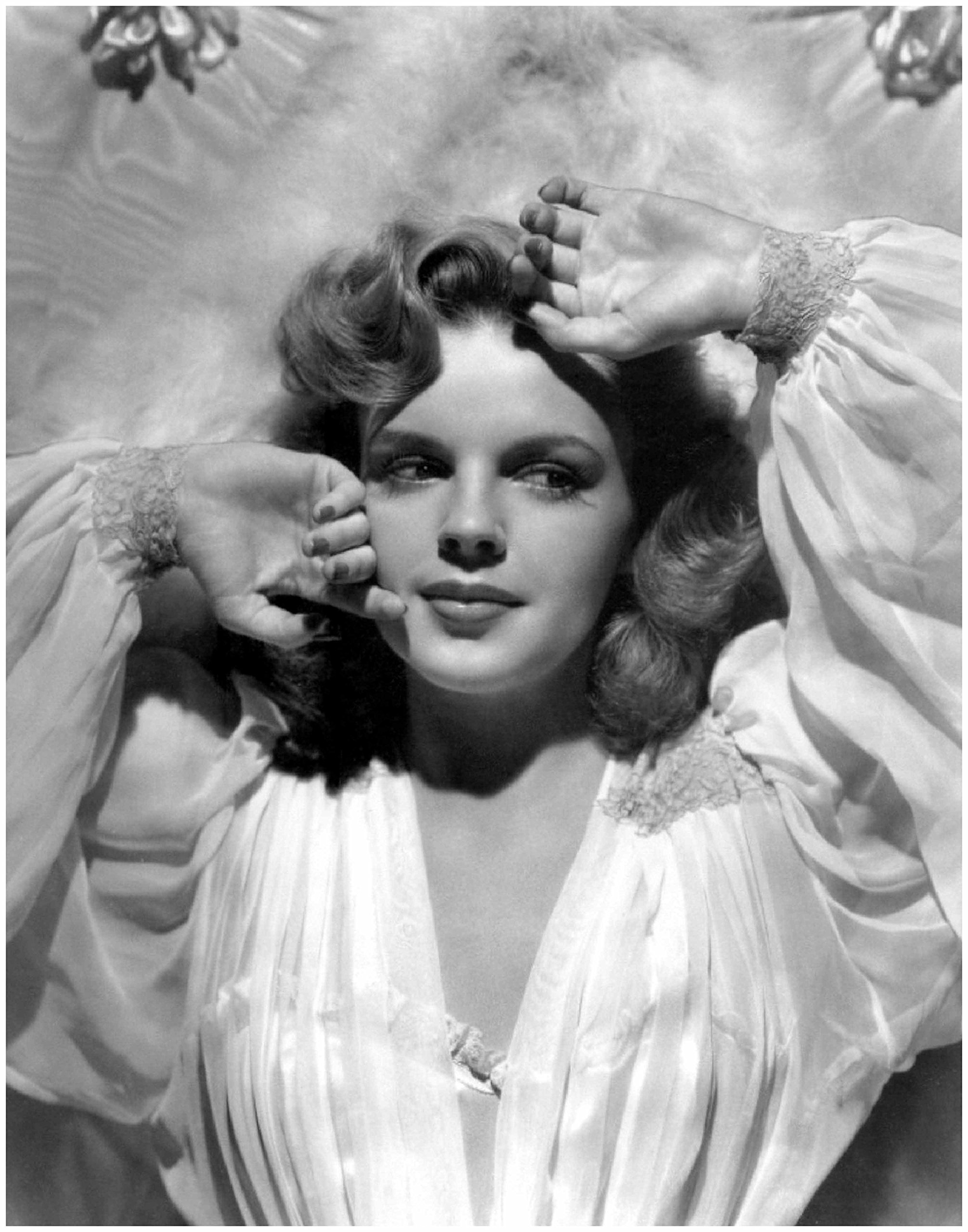 Photo Art Print by ArtDash ~ Actress JUDY GARLAND Black and White Photograph (8''×10'' print)