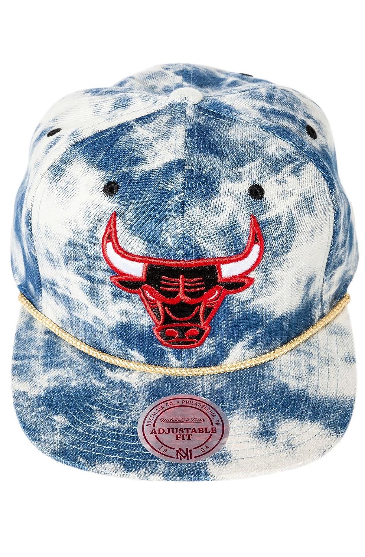 Mitchell   Ness Men s Chicago Bulls Acid Wash Snapback Hat One Size Blue at  Amazon Men s Clothing store  Sports Fan Baseball Caps 7db4973d6021