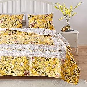 Greenland Home Barefoot Bungalow Finley Quilt Set, 3-Piece Full/Queen, Yellow