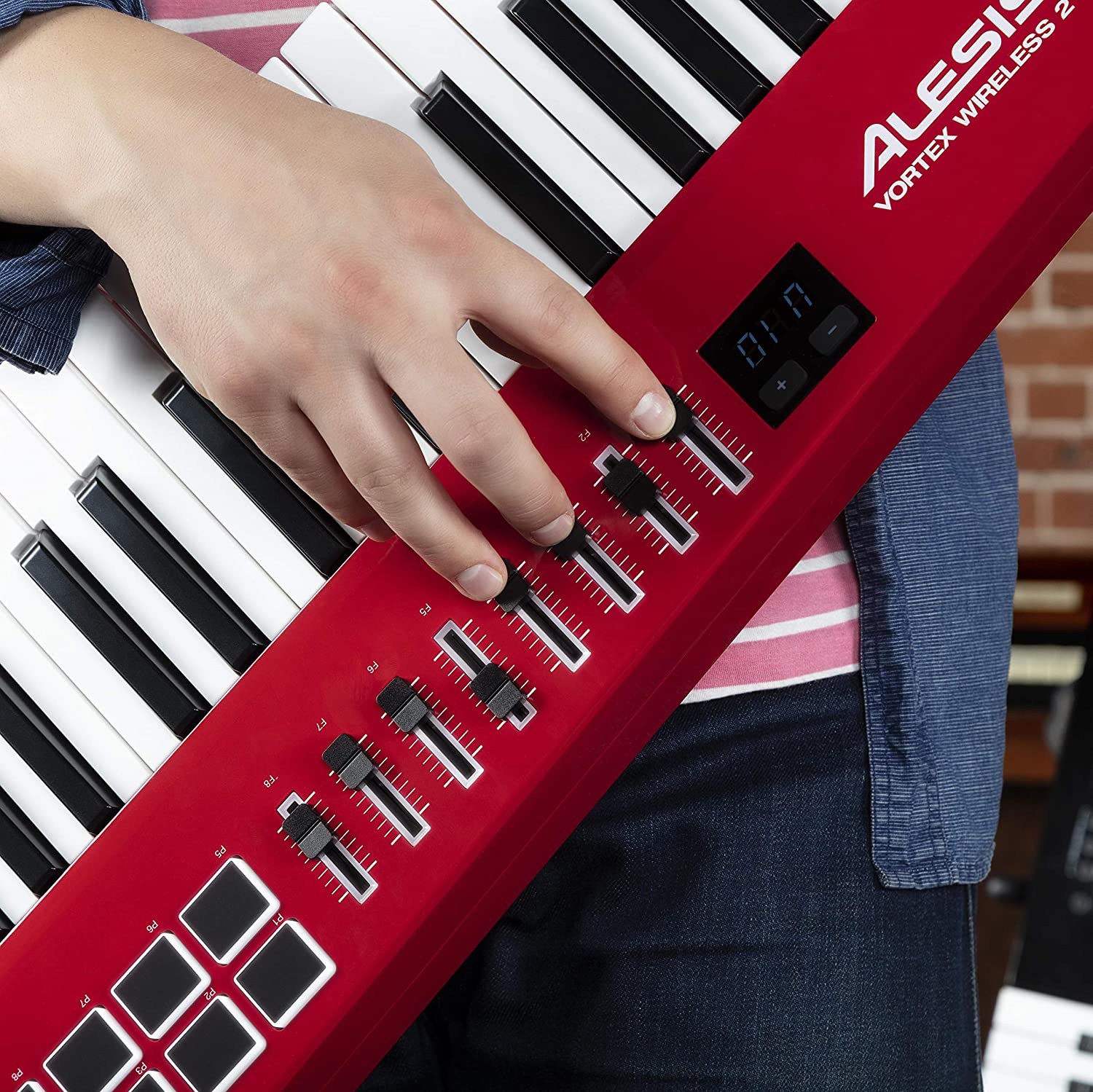 Alesis Vortex Wireless 2 - Controlador Keytar Inalámbrico USB, MIDI de Alto Rendimiento con Suite de Software Premium Incluida, color rojo: Amazon.es: ...