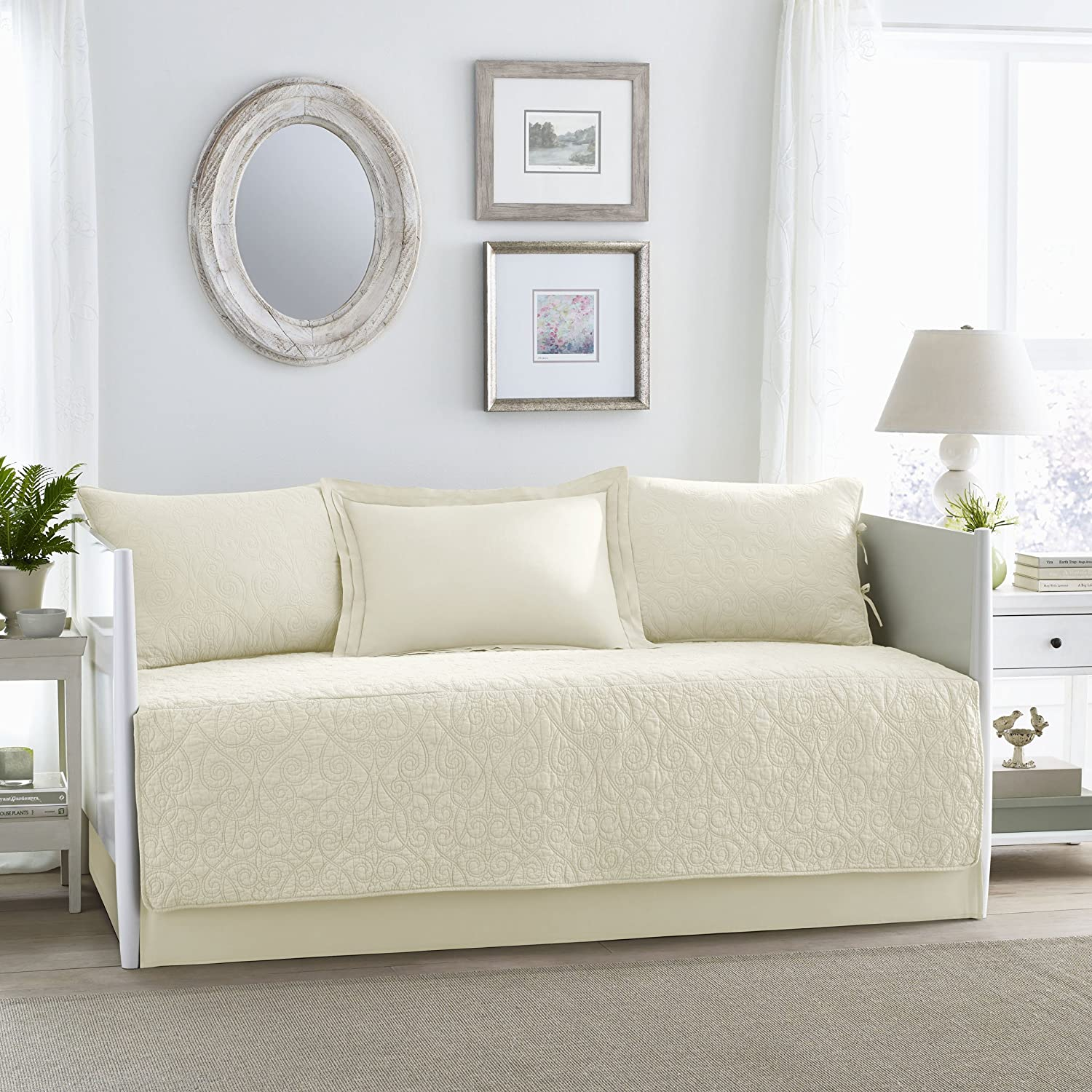 Amazon.com: Laura Ashley Felicity 5 Piece Quilt Set, Ivory, Daybed ...
