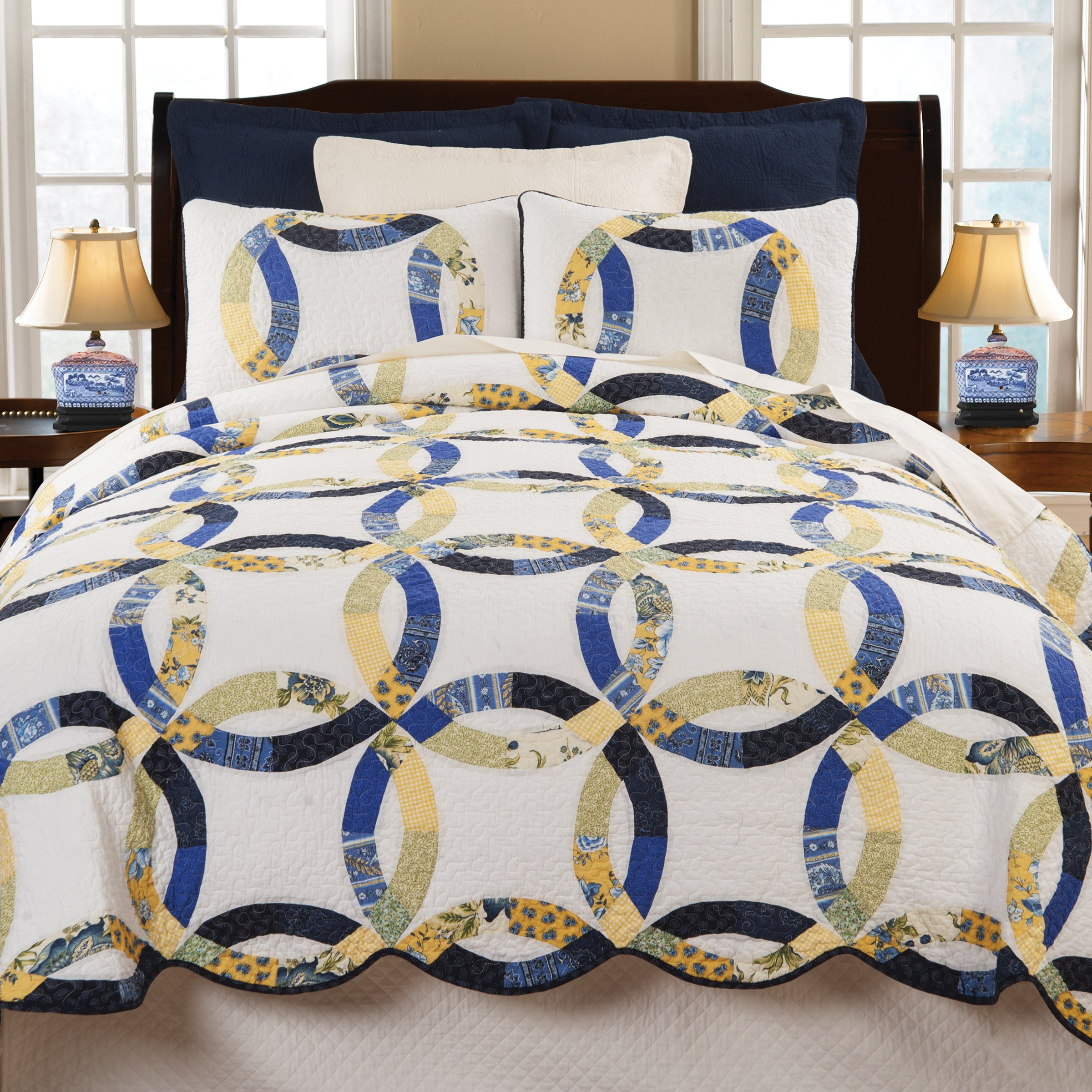 Provence Wedding Ring K Quilt Set by C&F Home