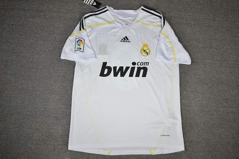 49f7ffefe61 Amazon.com   Retro Ronaldo 7 Real Madrid Soccer Jersey 2009-2010   Sports    Outdoors