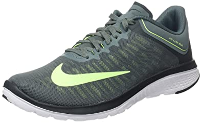 huge discount e9cd6 318c1 Amazon.com | Nike FS Lite Run 4 Hasta/Ghost Green-Seaweed Grey Men's ...