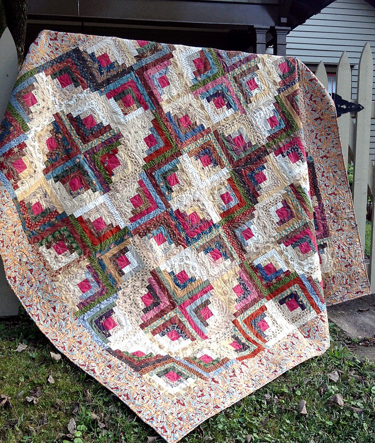 by Cut Loose Press and Natural Comforts Quilting Country Retreat Log Cabin Quilt Pattern