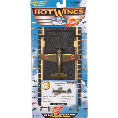 Hot Wings Japanese Zero with Connectible Runway, Green: Toys & Games