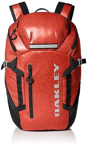 Oakley Men s Voyage 25 Backpack