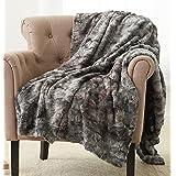 Amazon Brand – Pinzon Faux Fur Throw Blanket - 50 x 60 Inch, Frost gray