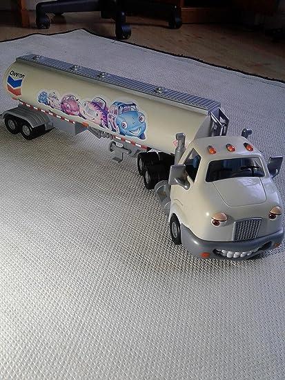 Cab /& Tanker Chevron Corporation 9938 Chevron Cars Travis Tanker 2 Piece Set
