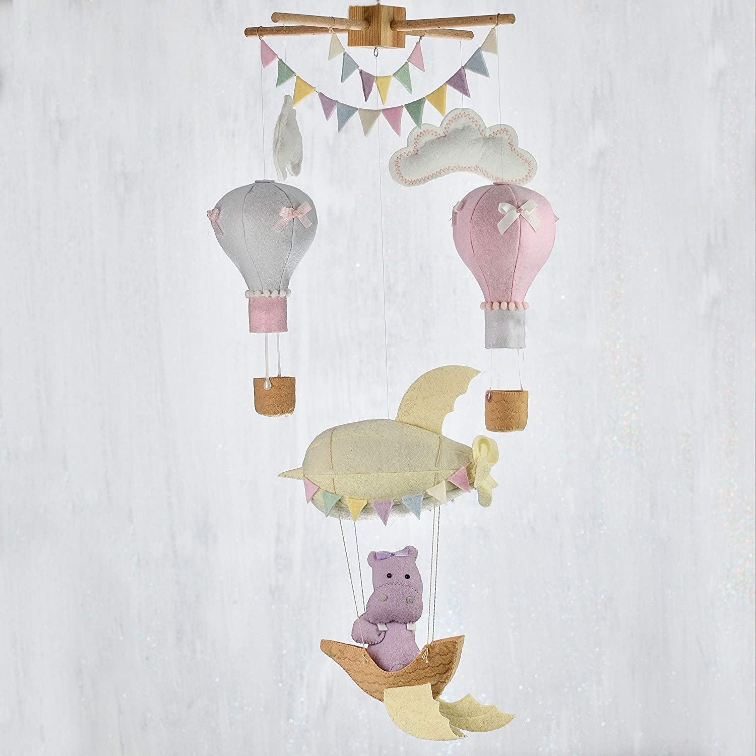 Baby mobile hot air balloons/Travel theme nursery mobile/Airship & balloons baby mobile/Handmade baby mobile/3 DAYS DELIVERY TO USA, CANADA & EUROPE BY UPS